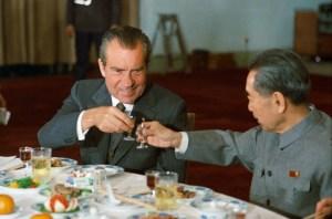 Nixon_and_Zhou_toast