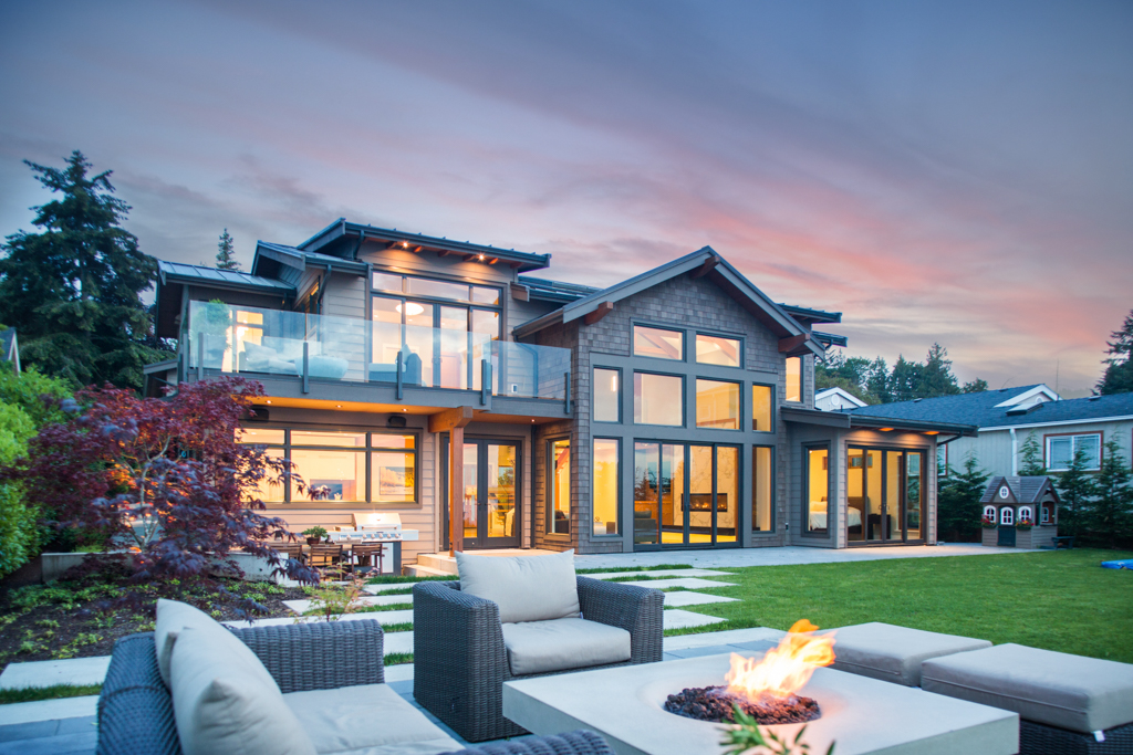 Care awards of vancouver island 2016 project of the year for Beach house design competition
