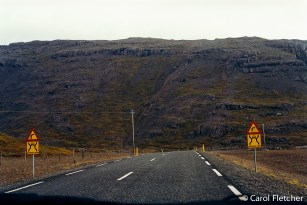 Roads in Iceland - One lane warning