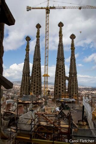 sagrada familia spires & crane