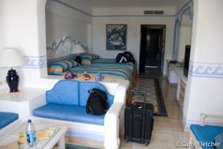 Room #310 Pueblo Bonito Blanco