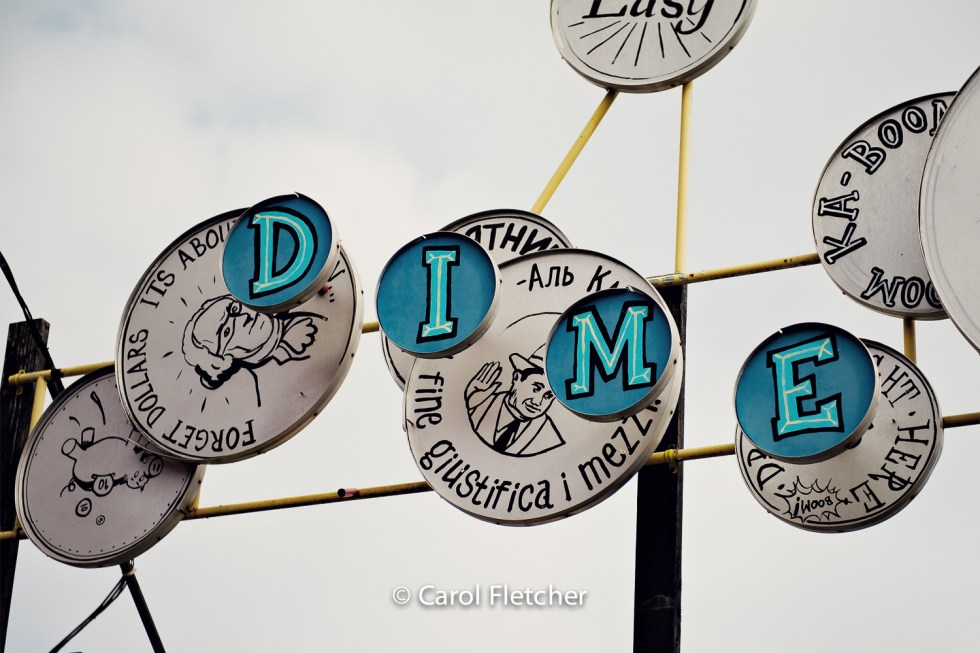 dime, toss, sign, game, Coney Island, NY