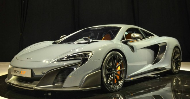 WHite McLaren 675LT Spider