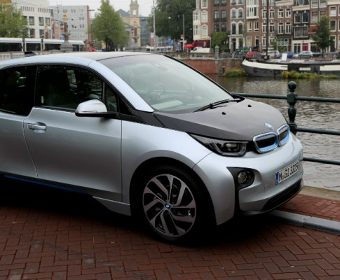 2016 BMW i3: The Sporty EV Hatchback