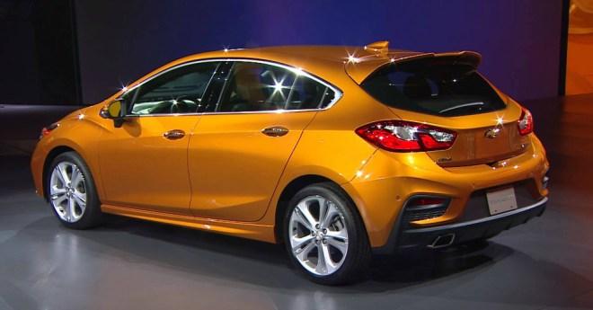 09.06.16 - 2017 Chevrolet Cruze