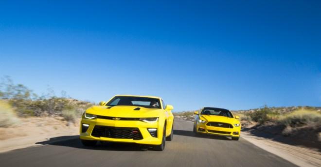 11.04.16 - Camaro vs Mustang