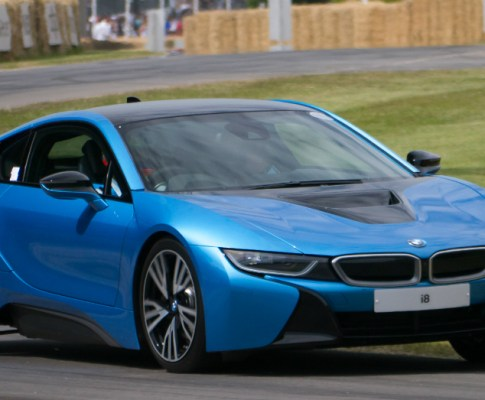 2017 BMW i8: Big Performance and a Small Engine