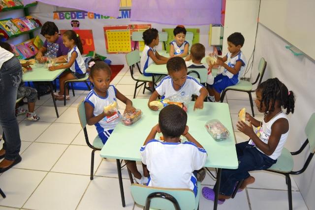 Campinas abre 80 vagas para agente de educação infantil com salário de R$1,8 mil
