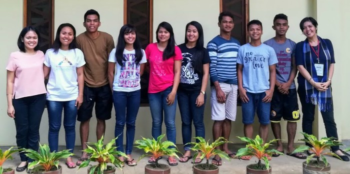 School Year 2017-2018 Young IP Leaders from Pamulaan Center for IP Education, with Cartwheel PH team members.  From L-R: Charissa Lopez (Programs Officer), Sharlyn Guminang, Farley Mancao, Famela Magunot, Decemae Vergara, Chrislyn Da-aw, Arnold Victoria, Romar Banlugan, Jerwin Victoria, and Pia Ortiz-Luis (Executive Director)