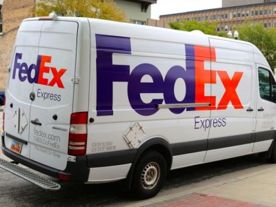 fedex-car-wrap-768x576