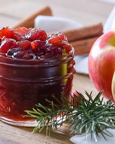 The Best Cinnamon Apple Cranberry Sauce