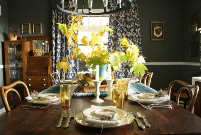 thanksgiving table with natural bohemian touches