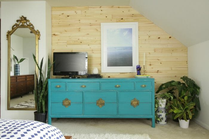 DIY Shiplap Knotty Pine Wall