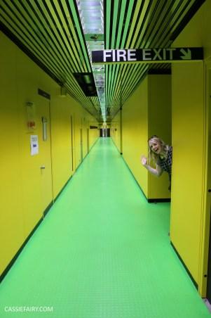 norman-foster-utopian-black-glass-willis-building-ipswich-suffolk-yellow-and-green-interior-office-70s-1970s-23