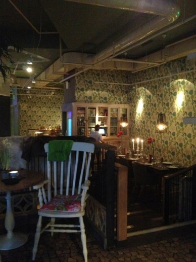the folly sala restaurantes em Londres de decoração peculiar