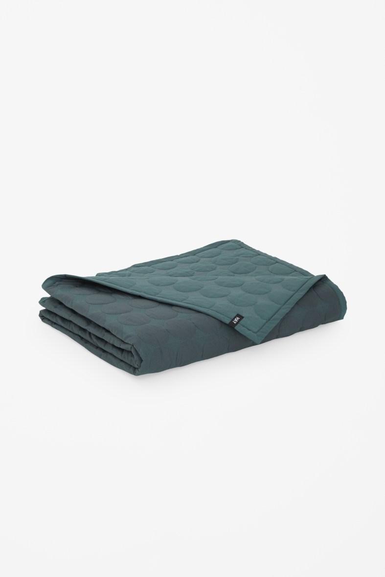 Mega dot bedspread £125