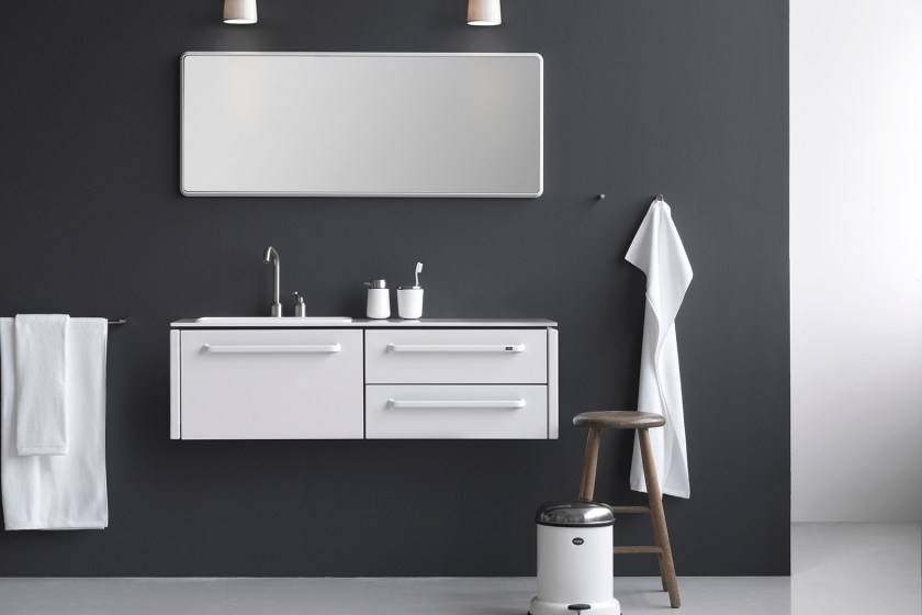 Vipp bathroom - 5 simple bathroom collections for the design conscious