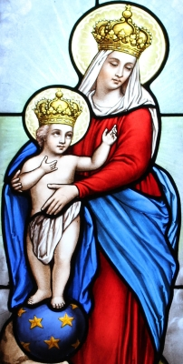 stained glass image of Our Lady of Victory in the funeral chapel of the Tomb of Rivière-Anglade, Henri Mathieu, 1900