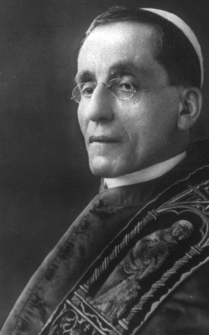 photograph of Pope Benedict XV; c.1915, photographed unknown; United States Library of Congress; swiped from Wikimedia Commons; click for source image