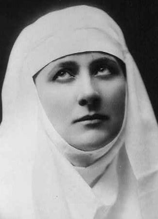 Mary Garden as Saint Thaïs the Penitent in Massenet's opera 'Thaïs', c.1907, photographer unknown
