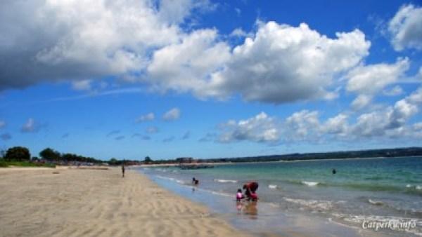 Pantai Terbaik Di Pulau Bali 8 : Pesona dari Jimbaran bay