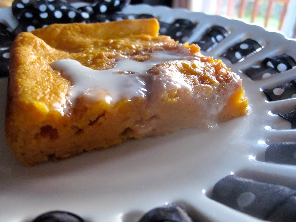 Cinnamon Roll Pumpkin Vanilla Sheet Cake - Catz in the Kitchen