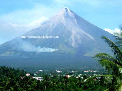 Christmas with Mt. Mayon on Verge of Eruption
