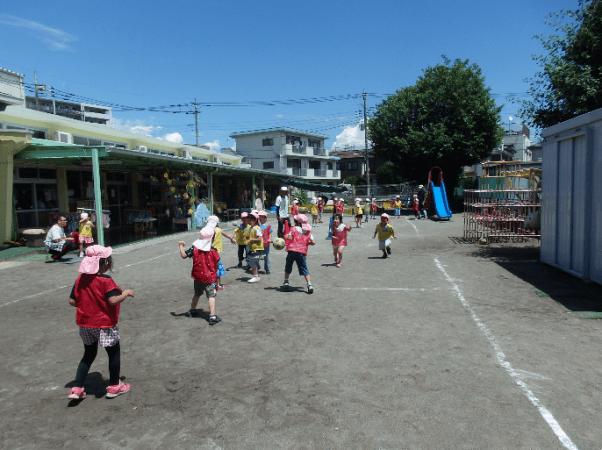 北野保育園でサッカー教室開催