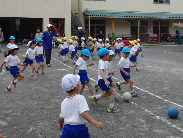 北野保育園、長沼幼稚園でサッカー教室開催(2018.5.29)