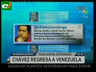 Chávez vuelve a Venezuela después de ser operado en Cuba