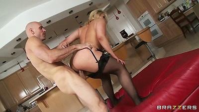 sarah big butt hardcore