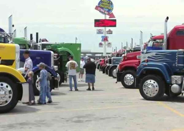 Trucker-Jamboree-Sights-and-Sounds