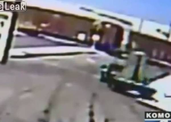 Train Loses Axle In Derailment