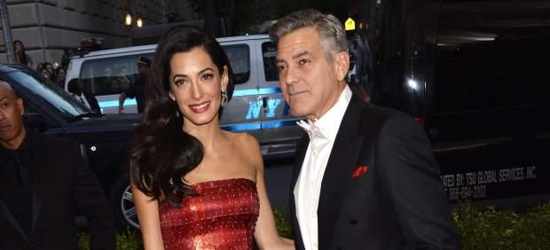George Clooney y Amal Alamuddin Clooney,
