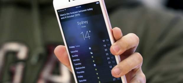 Iphone 6s tras su lanzamiento en una tienda Cupertino (<stro data-recalc-dims=
