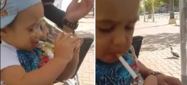 Dando de beber y fumar a un niño
