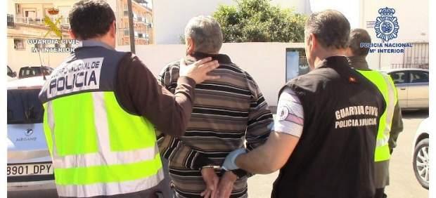 Detenidos dos atracadores de 71 y 56 años