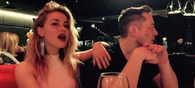 Amberd Heard y Elon Musk oficializan su relación