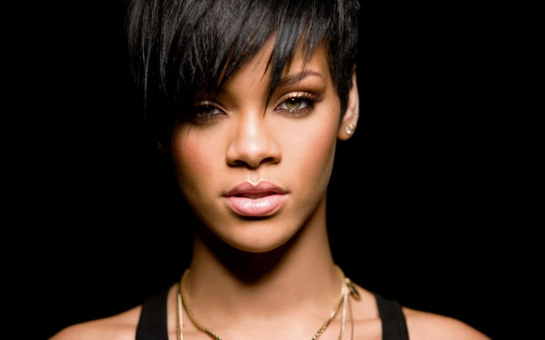 Download: Rihanna - B*tch Better Have My Money (Explicit)