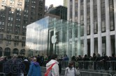 iPad 2 Launch – Fifth Avenue Apple Store - Image 3 of 40