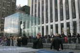 iPad 2 Launch – Fifth Avenue Apple Store - Image 20 of 40