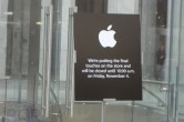 Live from 5th Ave Apple Store unveiling - Image 4 of 47