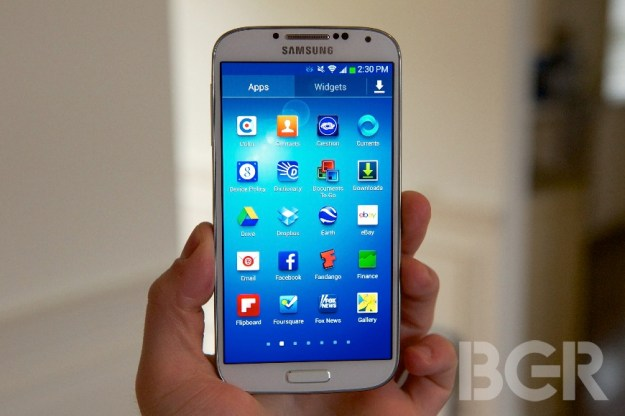 Samsung says Galaxy S4 supply will be limited at launch due to huge demand