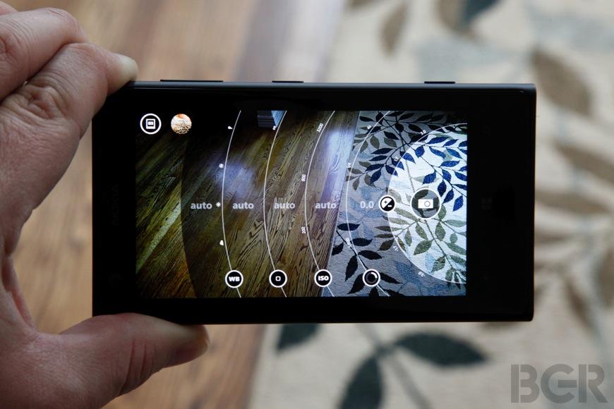 Lumia 1020 Vs iPhone 5s