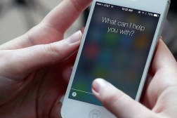 iPhone Siri Whatsapp Spying Bug