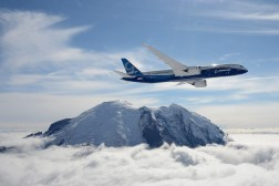Boeing 787-9 Dreamliner Maneuvers Video