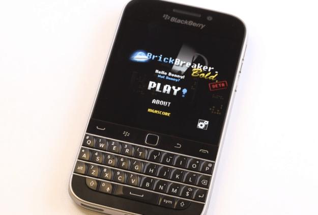 BlackBerry Classic: Brick Breaker returns