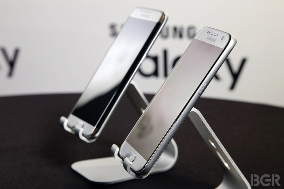 Galaxy S7 iPhone 6s Features