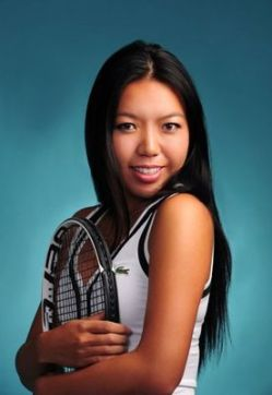 """Vania King Interview Part 2 : """"No One Believed in Me"""" Taking Back the Mic, Parent Challenges, her Serving Up Hope Nonprofit"""