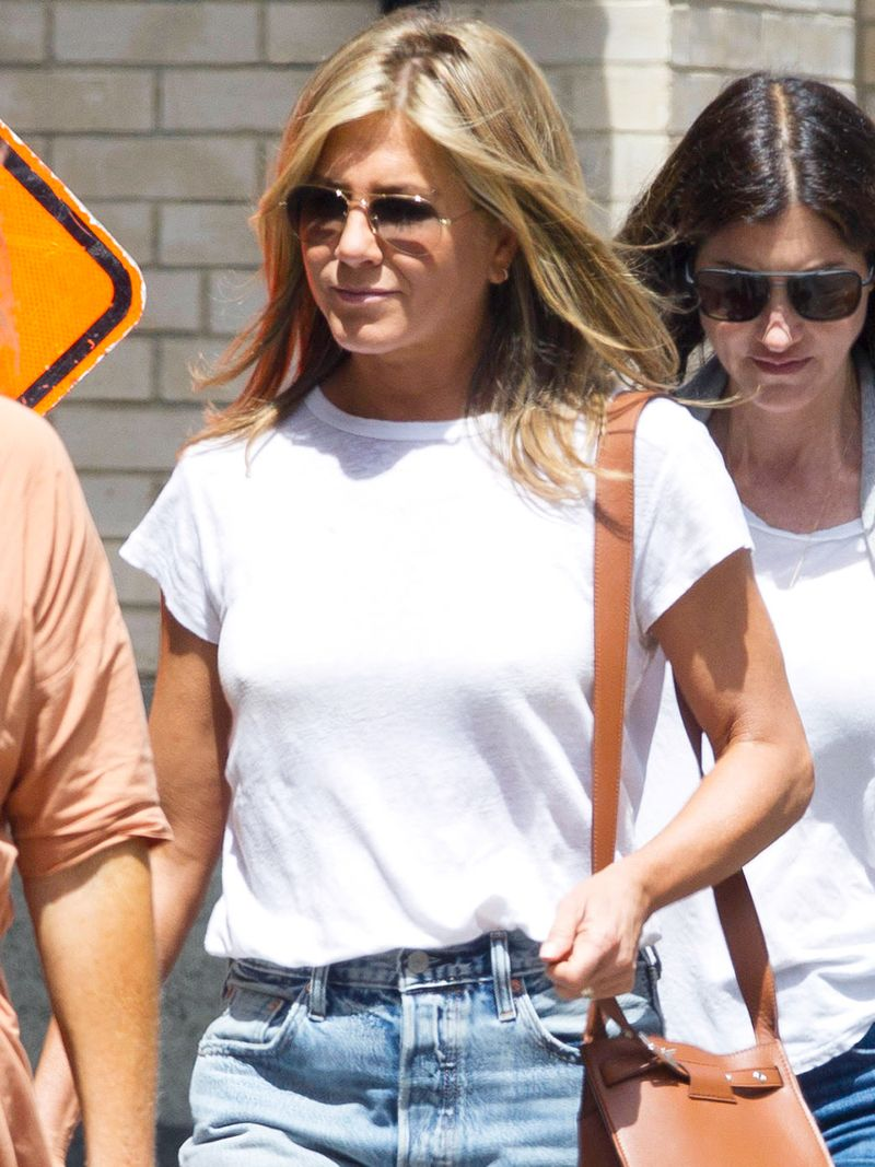 Jennifer Aniston Just Made 43 Dr. Scholls Sandals Look Very Chic